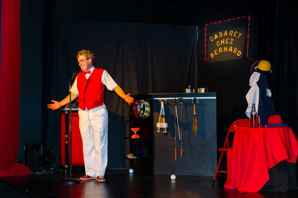 Cabaret Chez Bernard - presentateur