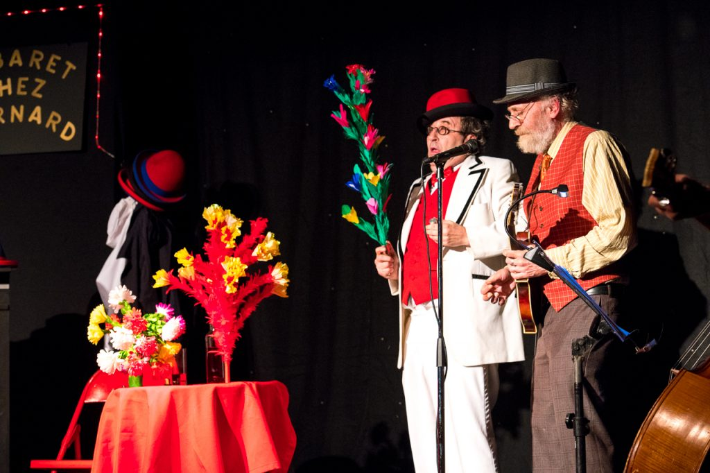Cabaret Chez Bernard - canne a fleurs