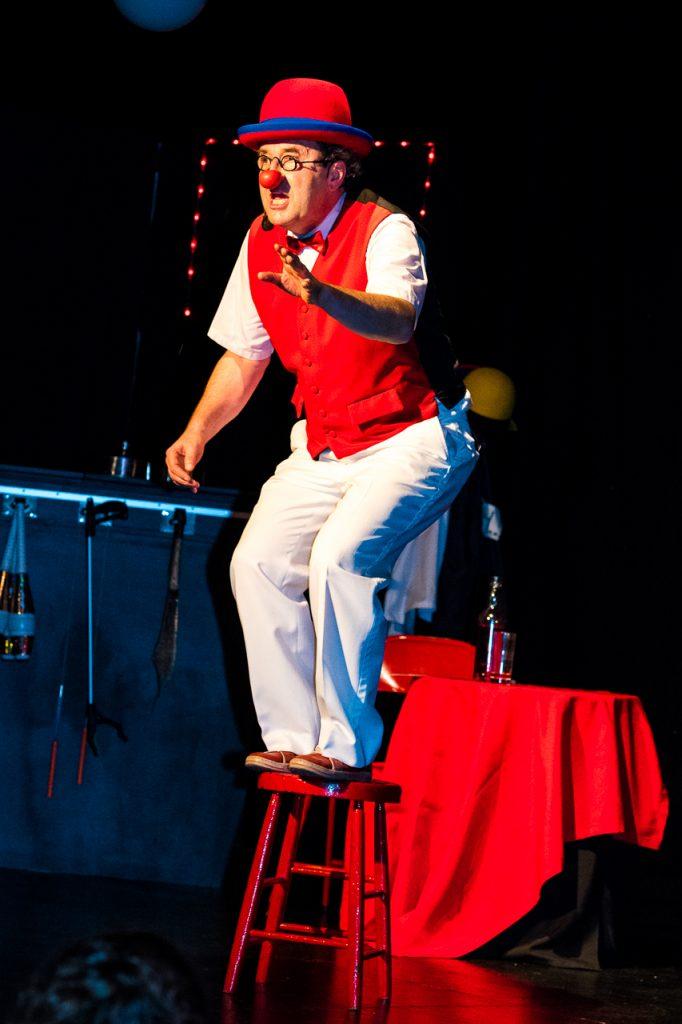 Cabaret Chez Bernard - clown debout