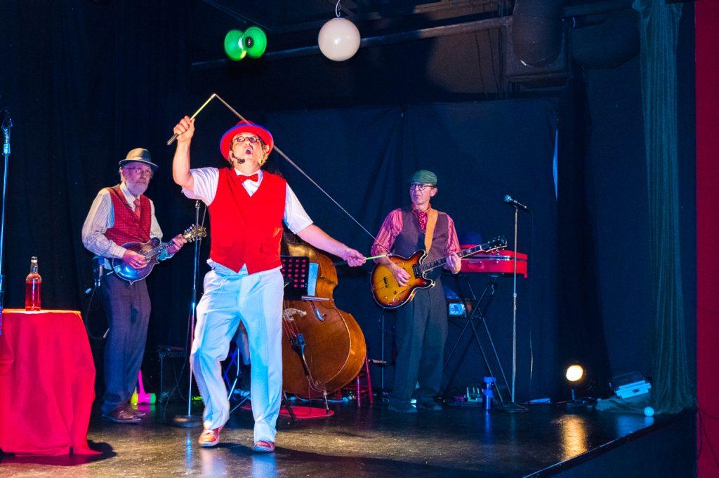 Cabaret Chez Bernard - diabolo